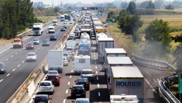 Code e rallentamenti sull'autostrada A1
