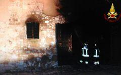 Pontassieve: incendio devasta un casolare alle Sieci.