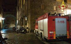Firenze: resta con il braccio impigliato nell'impastatrice. Liberato dai Vigili del fuoco