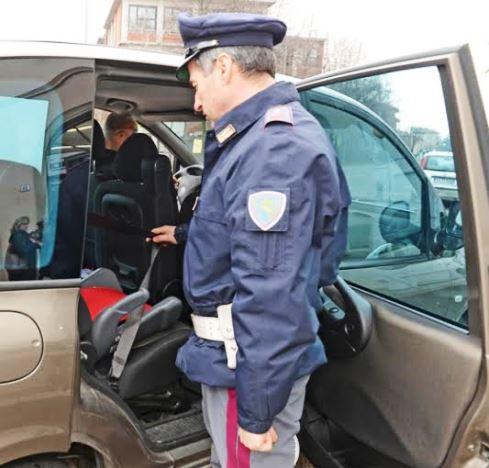 Polstrada, sicurezza anche per i bambini sui seggiolini
