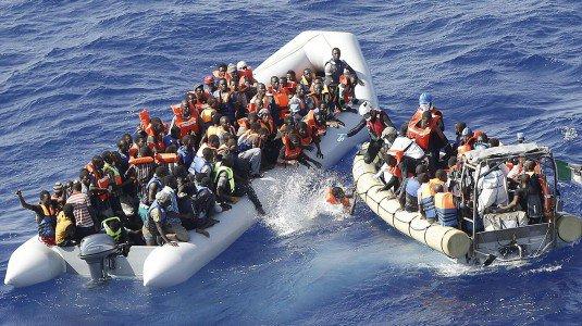 salvataggio-migranti-gommone-535x300