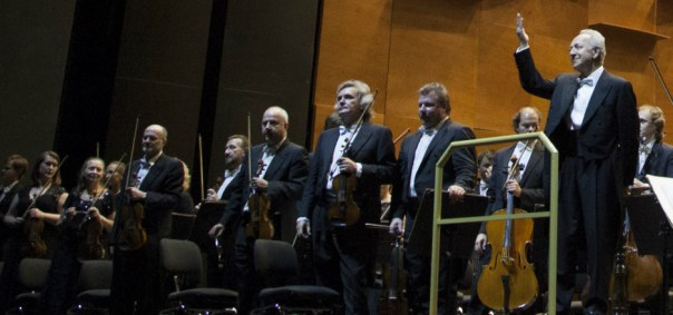 Jurij Temirkanov con l'Orchestra Filarmonica di San Pietroburgo