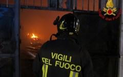 Massa: incendio in negozio cinese, evacuati gli abitanti dello stabile