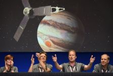 Sonda Juno verso Giove