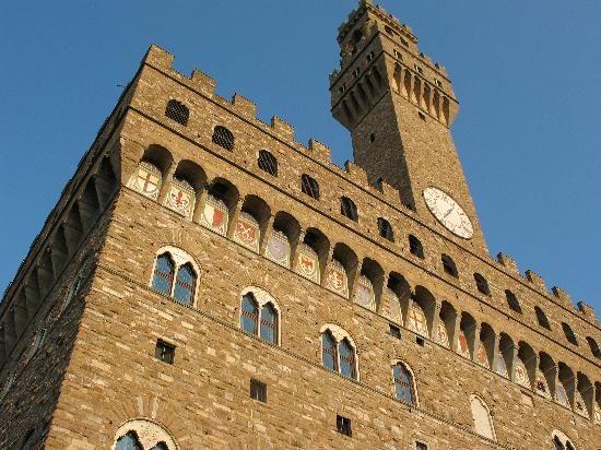 Firenze, Alemanno in piazza contro Renzi e la tutela dell'italiano