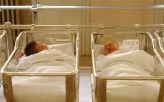 Eurostat: in Italia crollano le nascite. Nel 2080, senza gli immigrati, saremo meno di 40 milioni