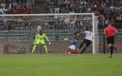 All'Italia di Ventura non basta Pellè: vince la Francia (1-3). Esordio della moviola in campo