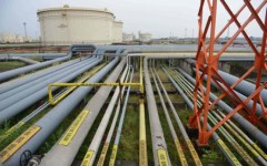 Petrolio: il prezzo al barile scende ancora di 27 centesimi di euro, a 50,36
