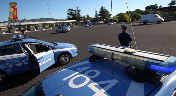 Blitz della poliziatra Firenze e Modena contro