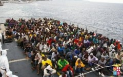 Migranti: piano del governo, distribuzione equa fra i comuni e lavoro ai profughi