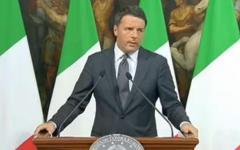 Terremoto, Renzi: ricostruiremo tutto. Gli sfollati (forse 100.000) negli alberghi, arriva l'inverno. E fa appello all'unità nazionale