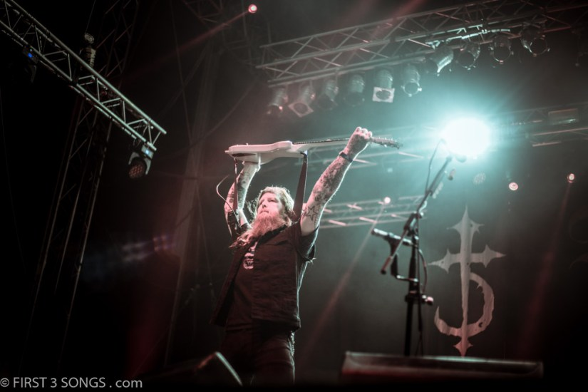 first3songs-olga-devildriver-metaldays-web-7289