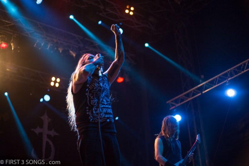 first3songs-olga-devildriver-metaldays-web-7352