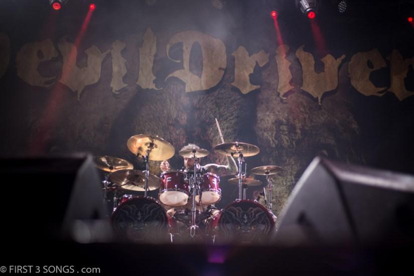 first3songs-olga-devildriver-metaldays-web-7355