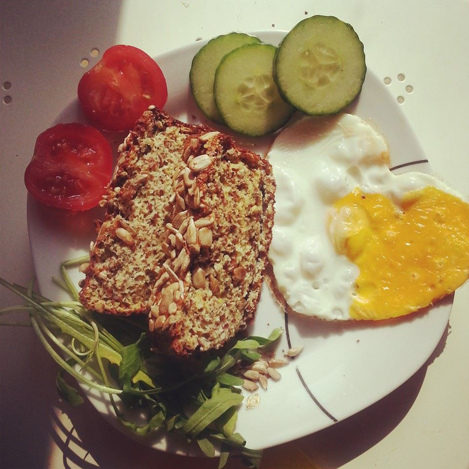 Fitness Brot mit Hanfsamen (Low Carb)