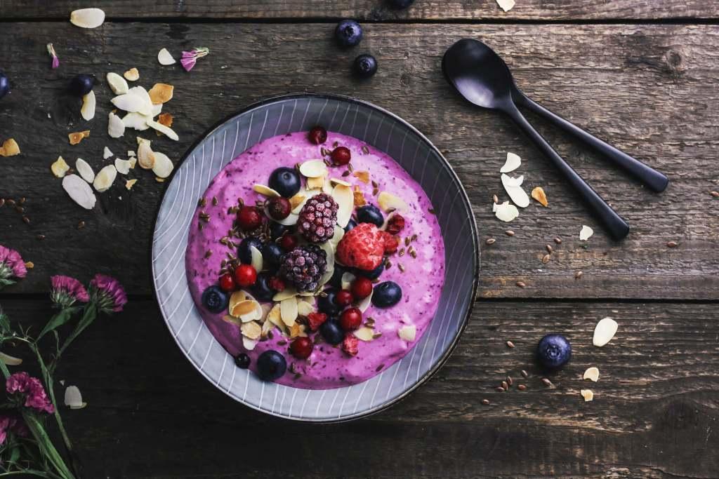 Superfood Beeren Quark – Das gesunde Fitness Frühstück