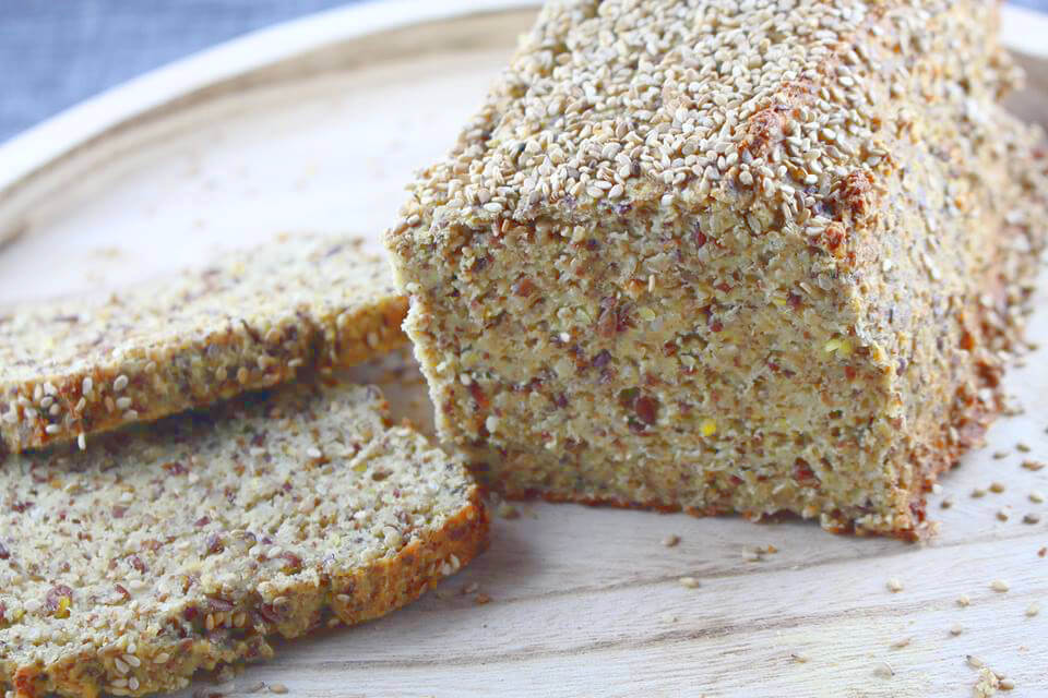 Low Carb Mandel-Sesam-Brot