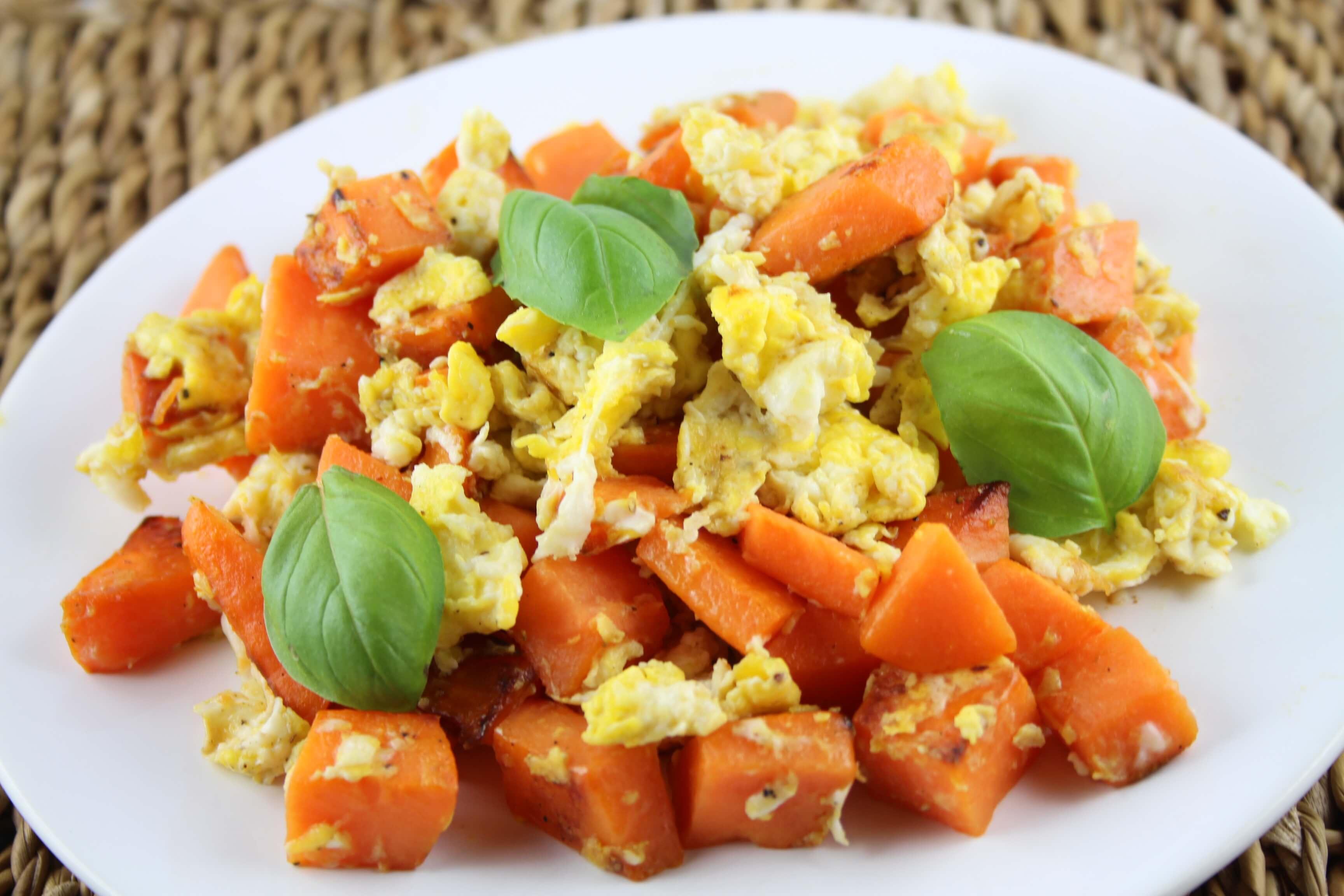 Rührei mit Süßkartoffel – Das perfekte Sportler Frühstück