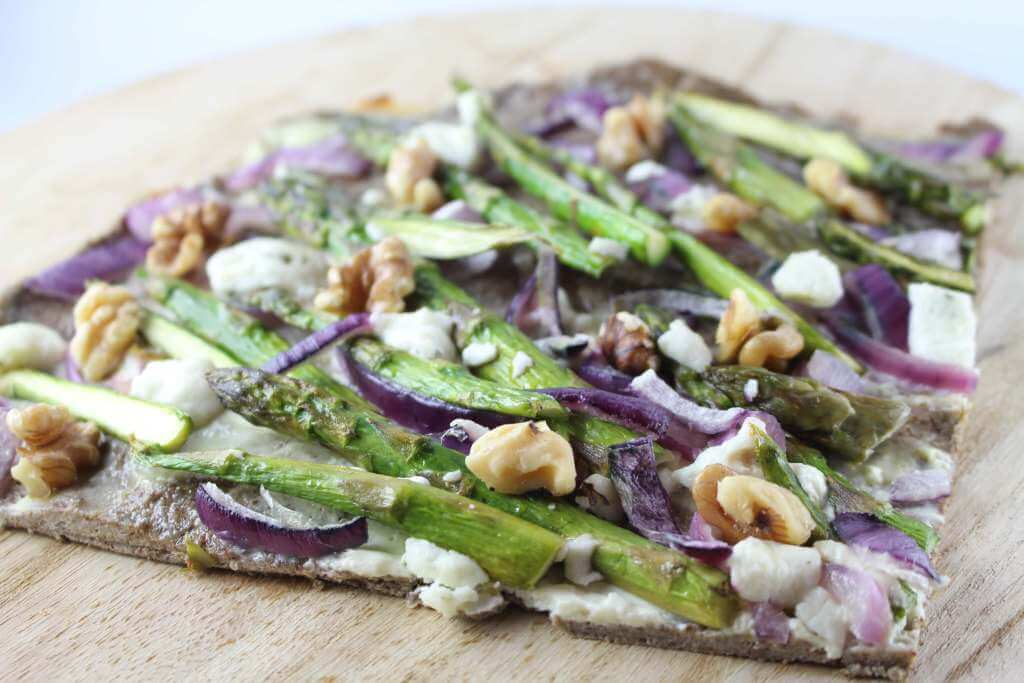 Low Carb Spargel Flammkuchen