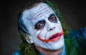 This is Very Disturbing Heath Ledger Joker Cosplay (2)