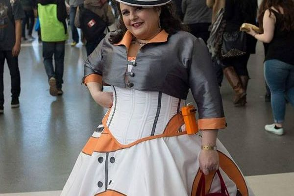 BB-8 Droid Cosplay