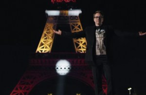 Robert Downey Jr. Lights Up The Eiffel Tower