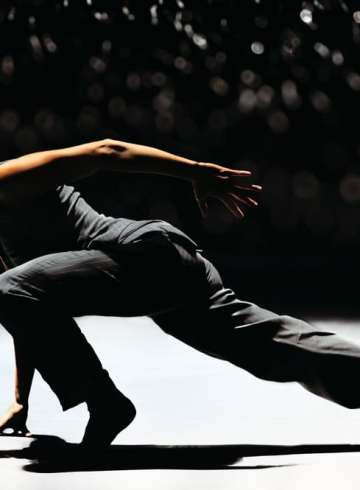 """Nederlands Dans Theater in Crystal Pite's """"Solo Echo.""""  Photograph by Rahi Rezvani"""