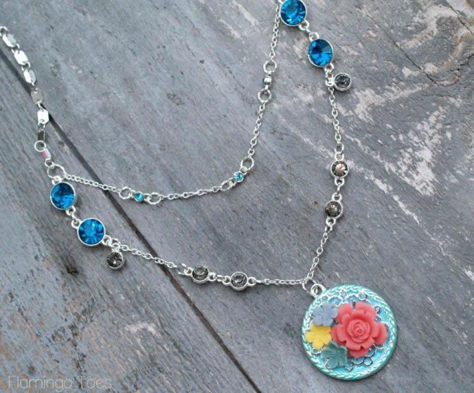 how to make a summery necklace