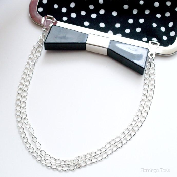 chain handle on bag