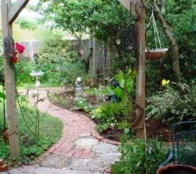Garden Paths and Walkways