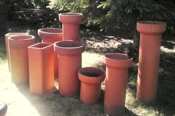 Kat Ross's find,...can you imagine these planted up into a flue garden