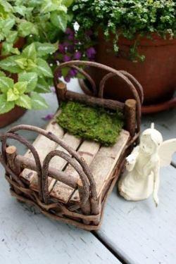 Joni Eades' miniature fairy bed