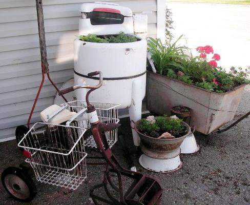 Upcycling Flea Market finds, a vintage washer, galvanized garden cart and a cute trike??