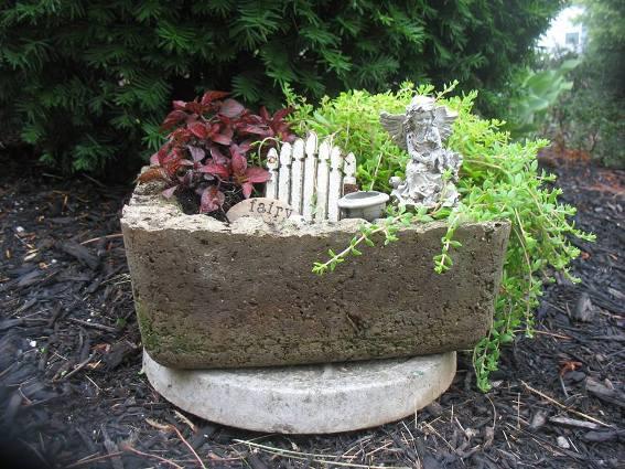 Jenny Alexander's hypertufa trough fairy garden