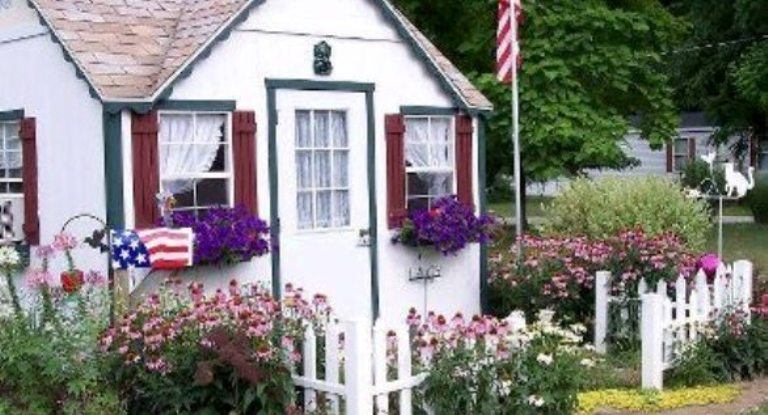 Dreamy Flea Market garden cottages