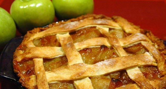 Apple and Green Tomato Pie-featured