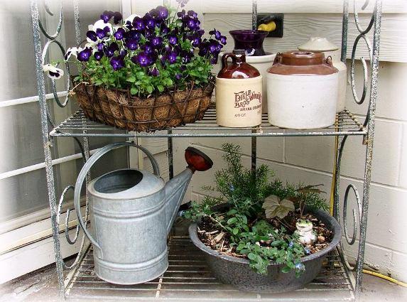 Jeanne Sammons's Baker's rack