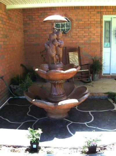 Sandi Wood's non-functioning fountain