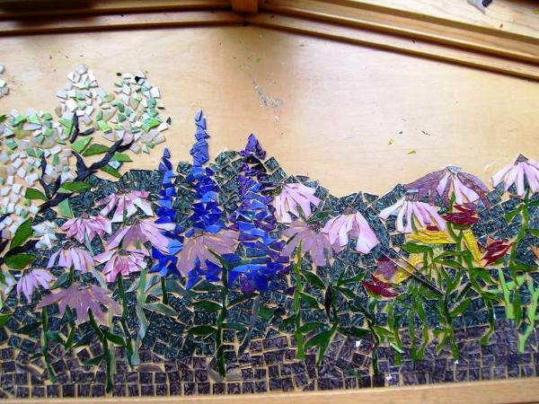 Susan's tiled windowseat garden (3)