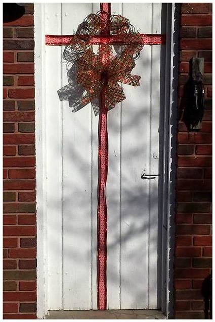 Nancy K. Meyer's daughter wrapped her door