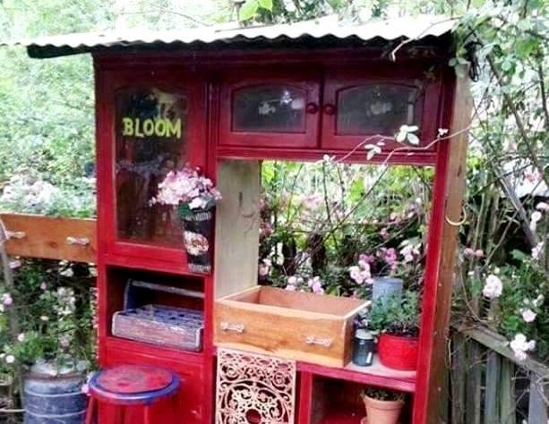 Kelly's Flea Market garden artistry