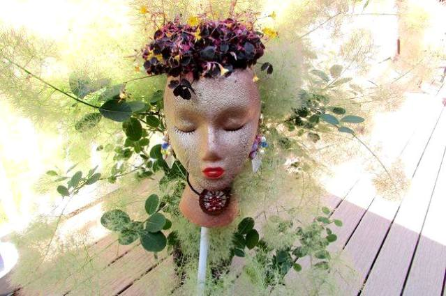 Teri Smith's mannquin head planter