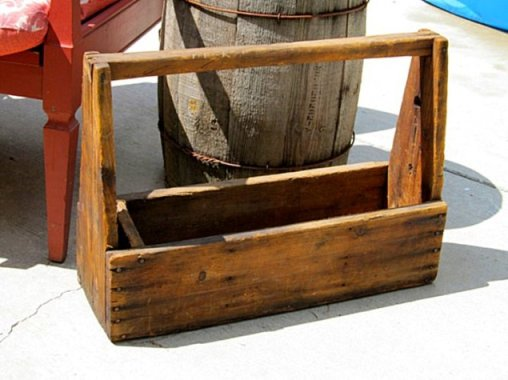 Kirk Willis'made a wooden toolbox