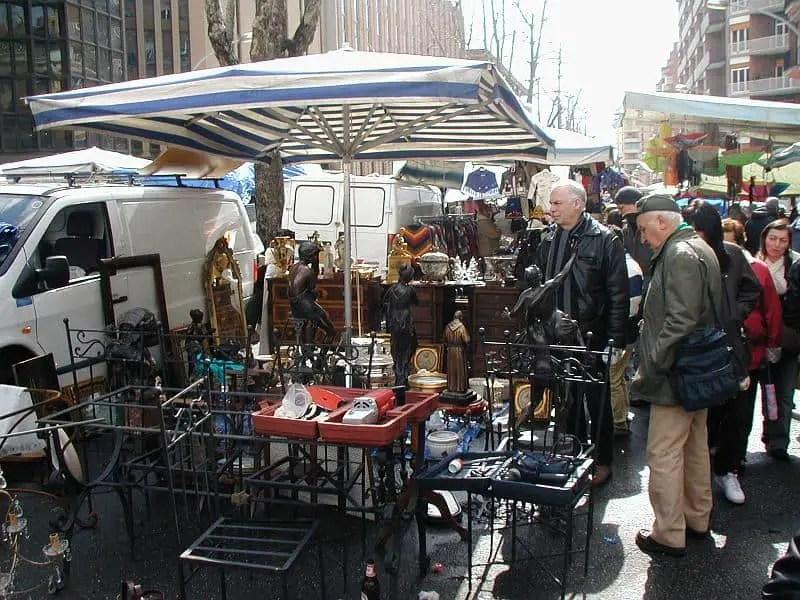 Flea markets in italy 7 must do flea markets in rome - Porta portese affitti appartamenti roma ...