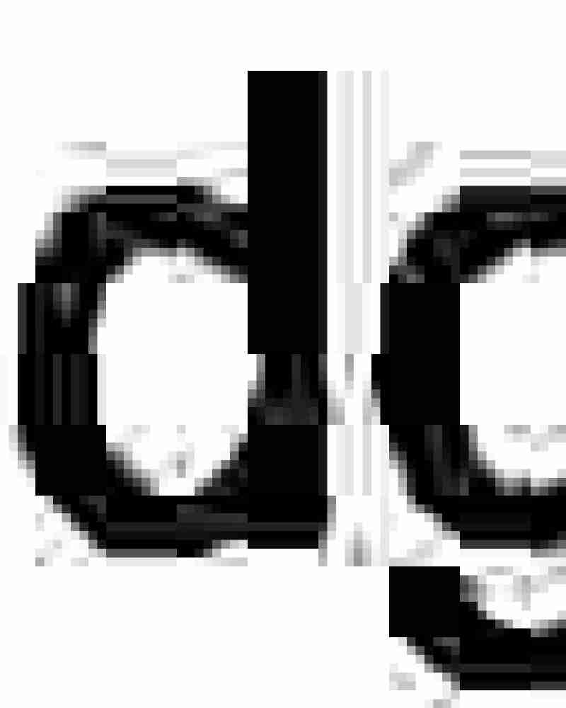 The Black Cube™ Fry Pan is perfect for frying eggs and tomatoes.