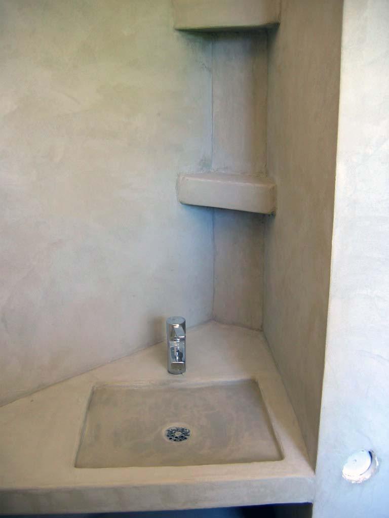 vasque et murs en béton ciré sofia