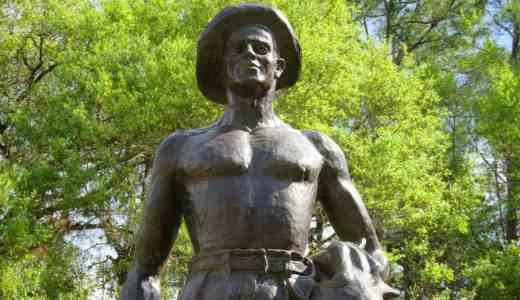 A statue in front of the Civilian Conservation Corps Museum at Highland Hammocks State Park. (Photo: Bonnie Gross)
