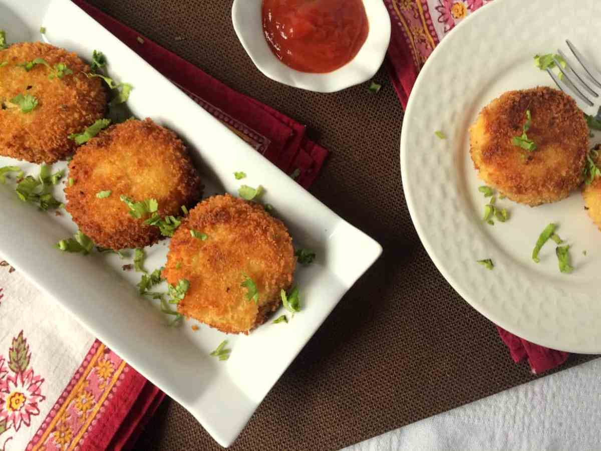 Crunchy  Corn and Green Chilli Aaloo Cutlets / Potato Cakes