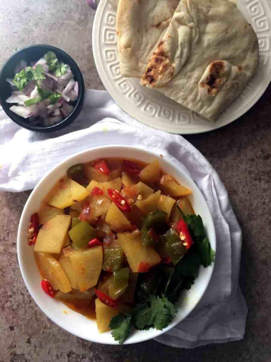 Aaloo aur Shimla Mirch ki Sabzi - Potatoes w Green Peppers