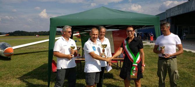 Festa dell'Aria 2016: Filippini e Diciotti vincono le gare del Campionato Italiano di Volo Acrobatico in Aliante.